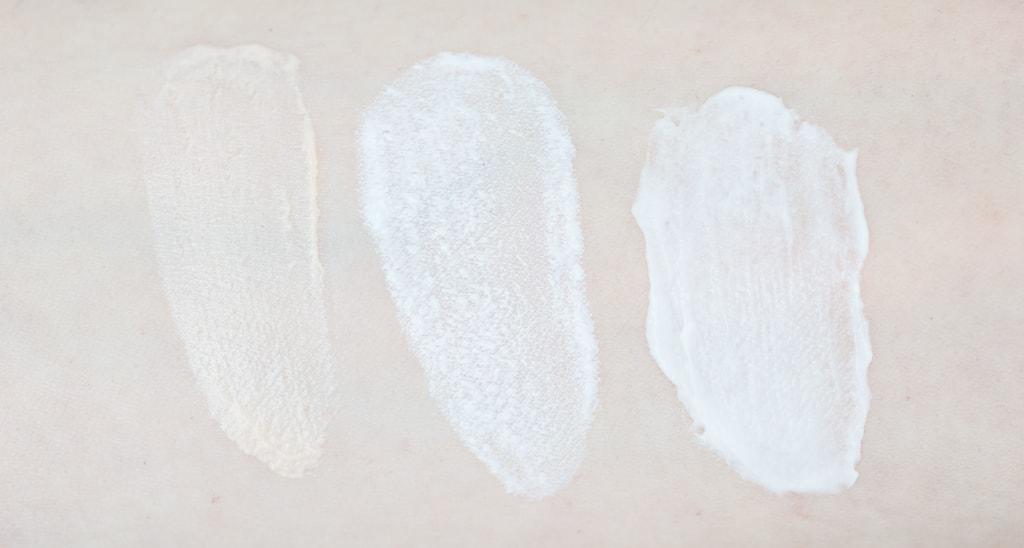 Swatches Texturen Clinique Superdefense SPF 20 Age Defense Eye Cream und Clinique SPF 50 Mineral Sunscreen Fluid For Face und Clinique Superdefense SPF 20 Daily Defense Moisturizer