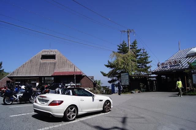 SLKで峠の茶屋に行きました。