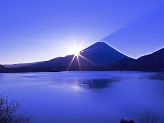 富士山頂でおにぎりを食べてみませんか?