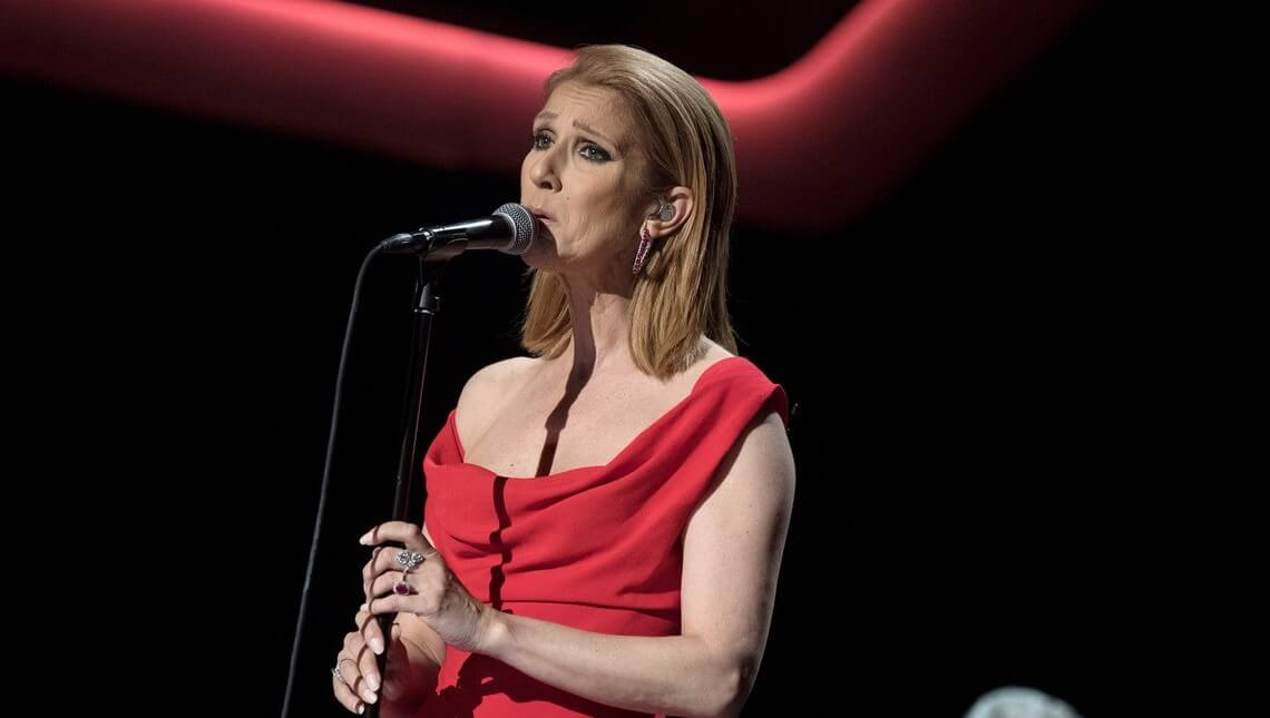 """Celine Dion debuta su nuevo sencillo """"Recovering"""" en vivo (VÍDEO)"""