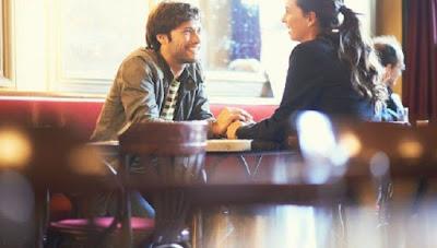 4 Hal yang Harus Anda Perhatikan Jika Berpacaran dengan Atasan