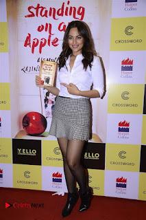 Sonakshi Sinha Karan Johar at Aishwarya Rajinikanth Standing on an Apple Box Book Launch Event  0044.jpg