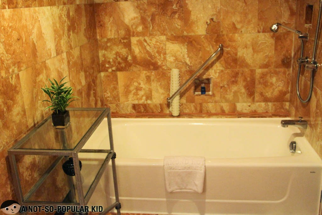 Bath Tub, Executive Suite of Diamond Hotel
