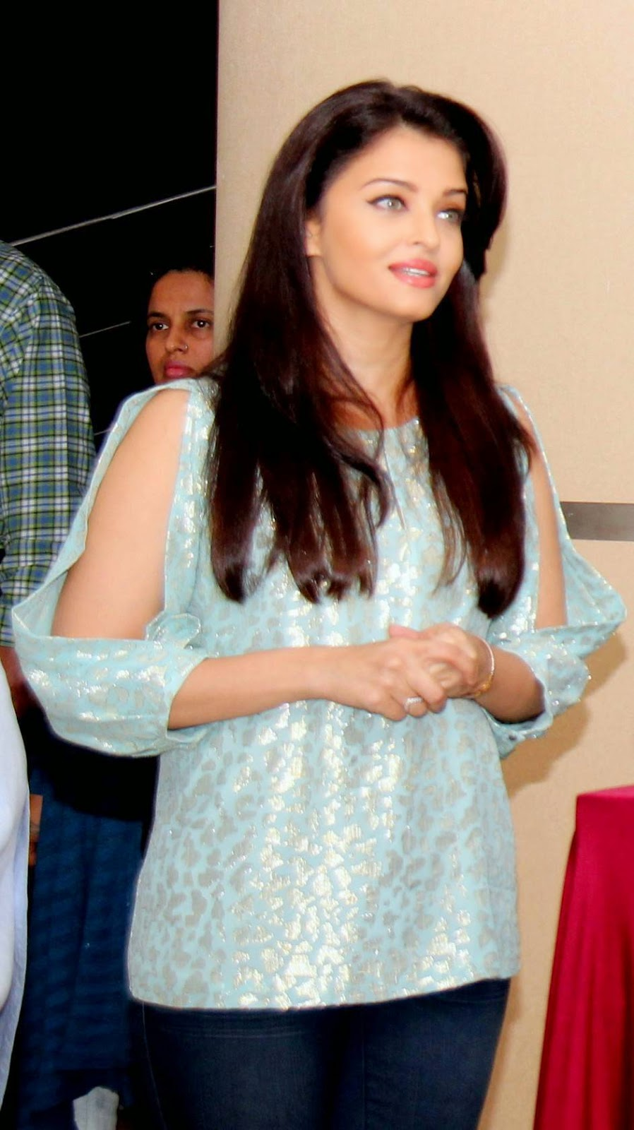 Actress Aishwarya Rai Latest Cute Hot Spicy Photos Gallery At Jazbaa Movie Cast Script Reading Event