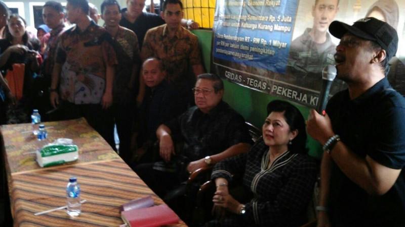 Kunjungan SBY dan istrinya di Pokso AHY di Pademangan