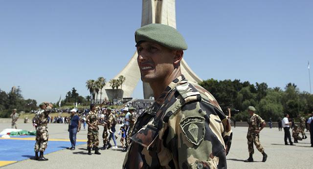 الجزائر: تفاصيل تفجيرات قصر الحكومة ومركز الأمن, والروايات الرسمية