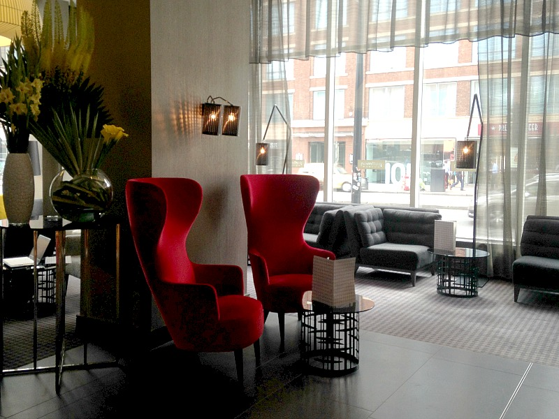 Stylish interior in the recoetion of the Pullman London St Pancras Hotel