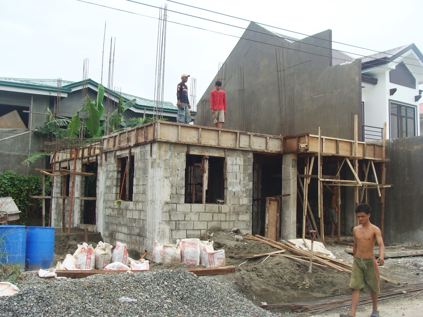 Design of small 2 storey house modern design for House design philippines 2 storey