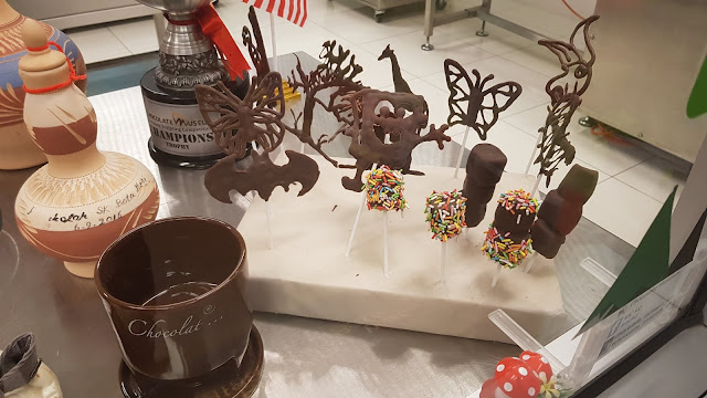 Chocolate factory, chocolate market, Chocolate Museum, Museum, travel, branded chocolate, cheap chocolate, malaysia chocolate museum, damansara chocolate museum, how is made the chocolate, chocolate recipes.,