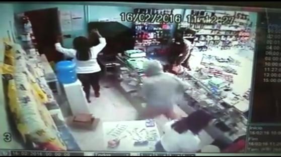 Cascavel-Ibicoara: Bandidos assaltam farmácia a mão armada; Veja o vídeo