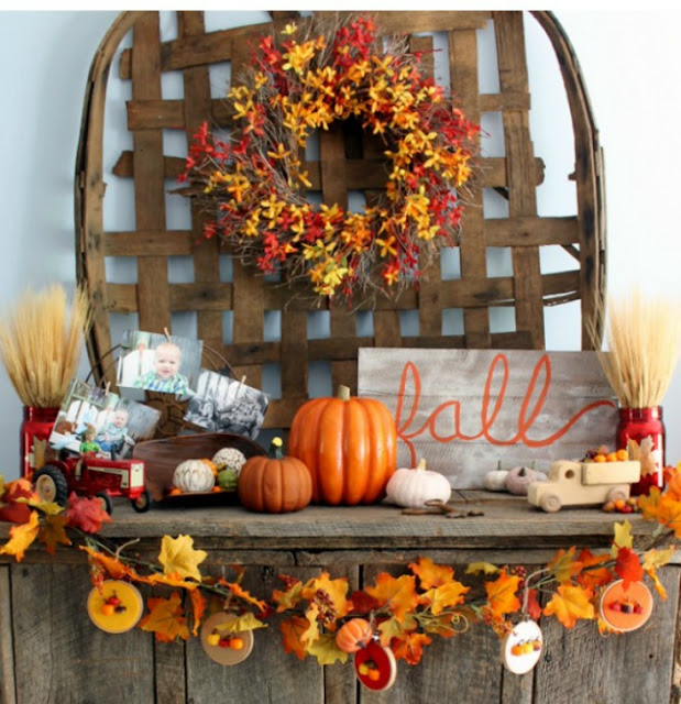 Fall Hoop Mantle