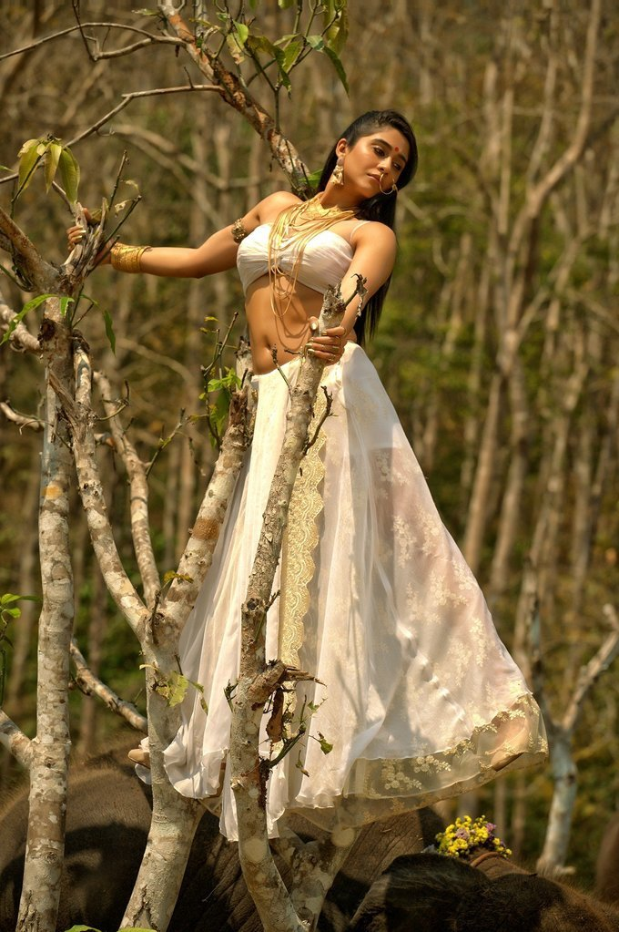 Tollywood Actress Regina Cassandra Romantic Stills From Nakshatram Movie