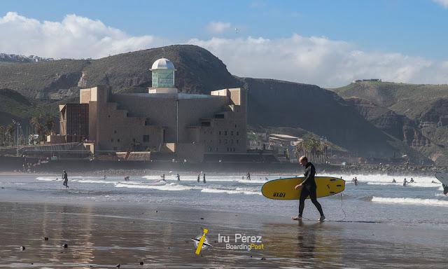 Un surfista en La Cicer