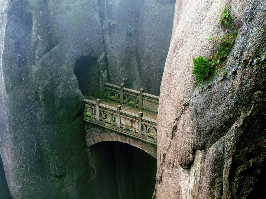 Huangshan, Anhui, China - 20 Mystical Bridges That Will Take You To Another World