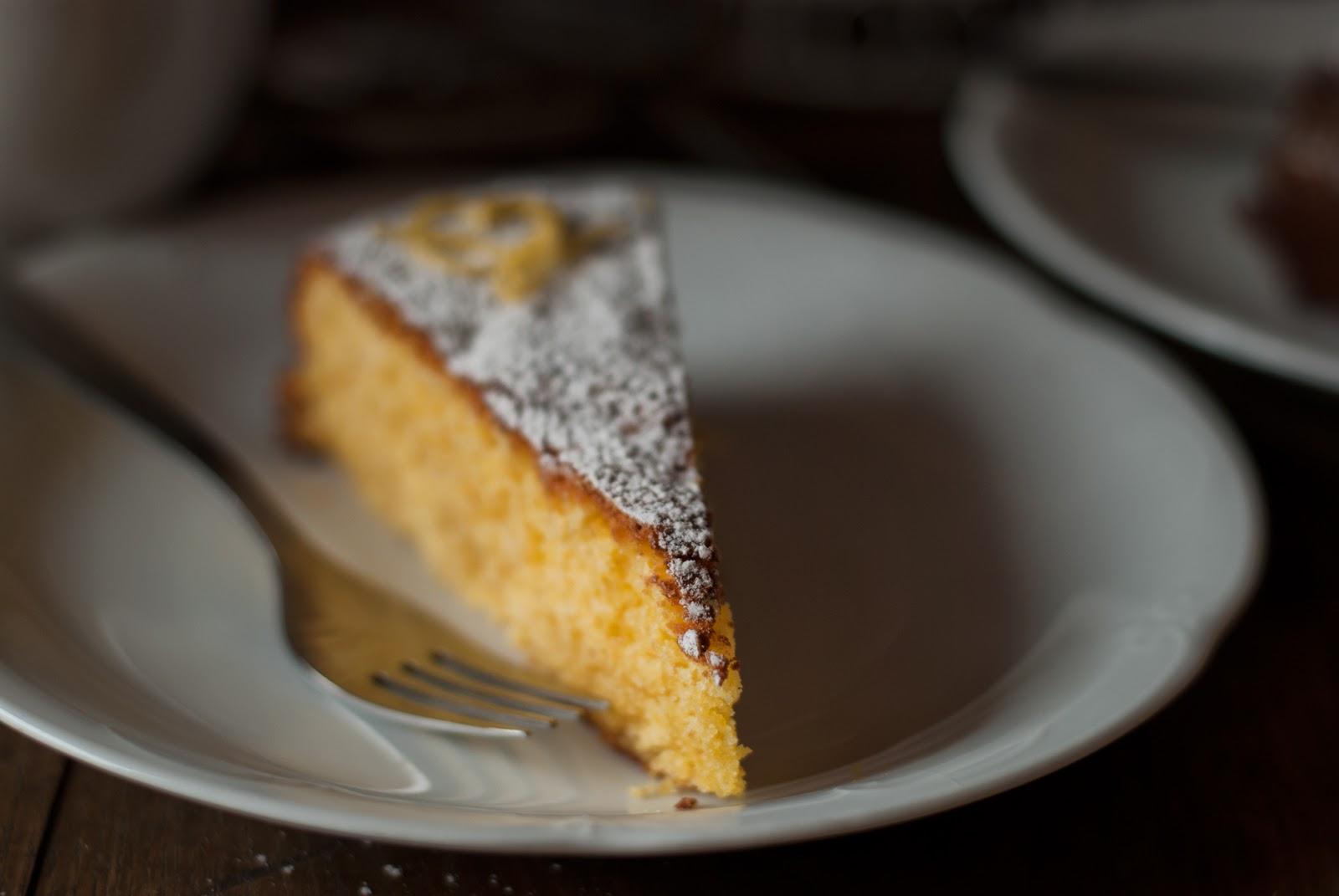 Włoskie ciasto cytrynowe wilgotne i bez glutenu