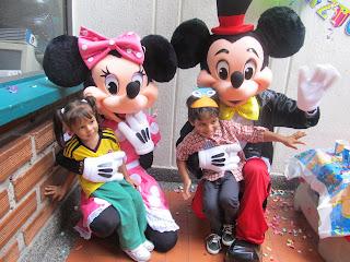 PERSONAJES DE MICKEY Y MINNIE MEDELLIN