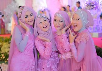 Tips Menggunakan Jilbab Untuk Kebaya Pada Perayaan Lebaran
