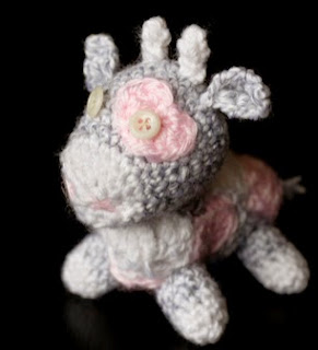 http://melodys-makings.com/update/wp-content/uploads/2015/01/Tiny-Valentines-Moo-Crochet-Pattern.pdf
