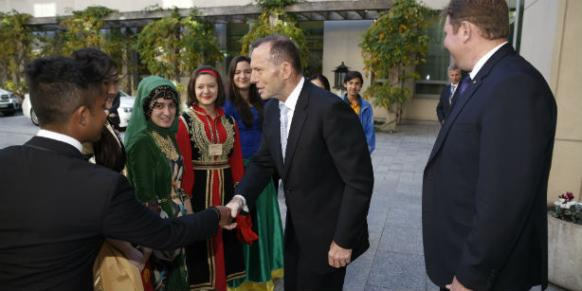 Australian Prime Minister Abbott received 60 students from 19 countries