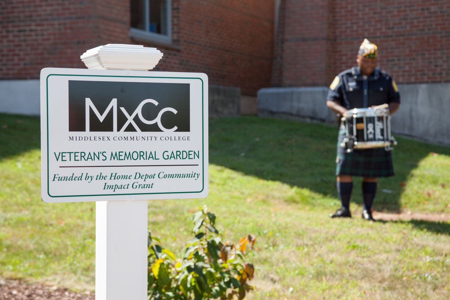 Middletowneye Veterans Memorial Garden Dedicated At Middlesex
