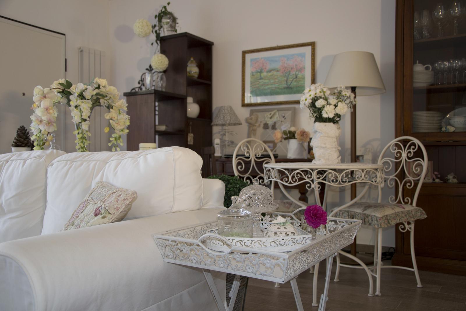 Shabbychiclife la mia casa su casa romantica vuoi fare for Immagini case arredate