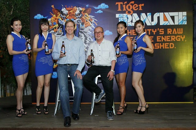 Bruce Dallas (Marketing Director, GAB) and Tai See Wai (Marketing Manager, Tiger Beer) at the Media Launch of Tiger Translate