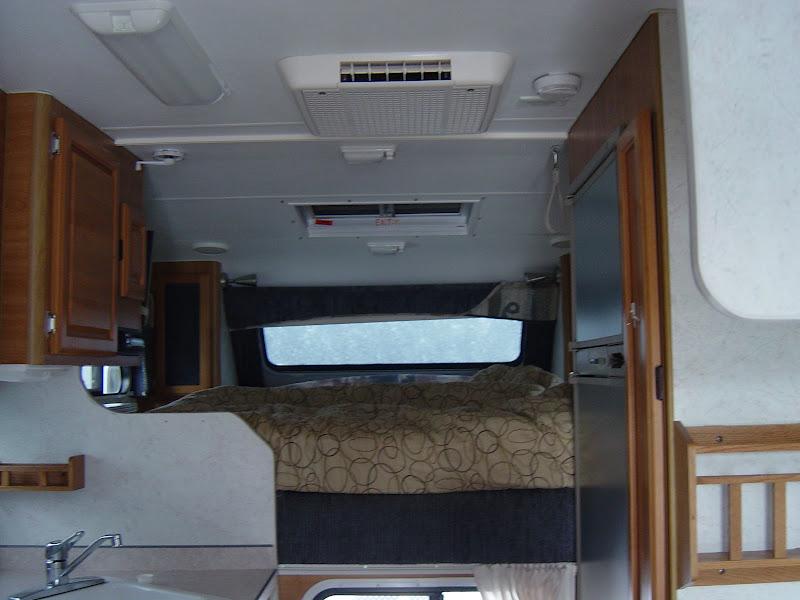 Outdoor Sports Center Inc 2005 Lance 1130 Truck Camper