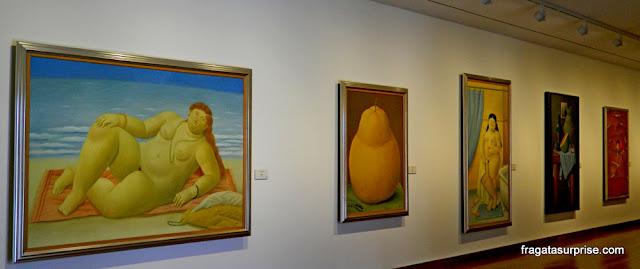 """""""A Praia"""" e outras obras de Fernando Botero, no Museu Botero, Bogotá"""