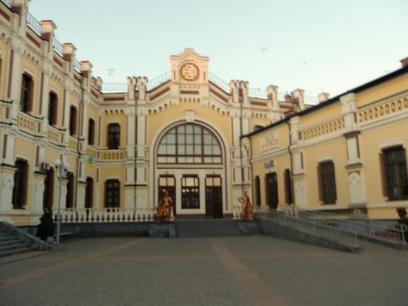 Козятин. Вінницька область. Залізничний вокзал. Пам'ятка архітектури. 1889 р.