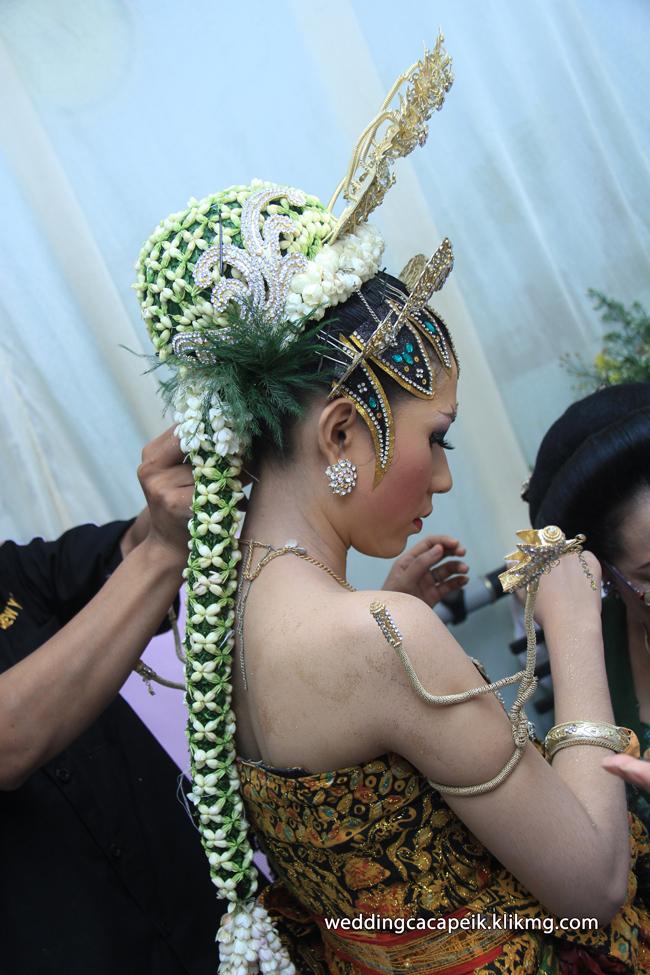Foto Liputan Pernikahan Chaca & Peik [ 07 -  Foto Persiapan Acara Panggih Pengantin ] - Foto Oleh : Klikmg Fotografer Wedding Purwokerto