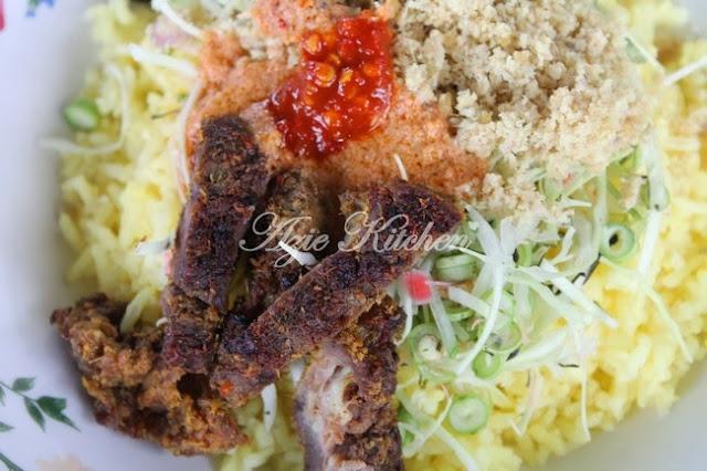 Nasi Kerabu Kelantan Yang Terlajak Sedap