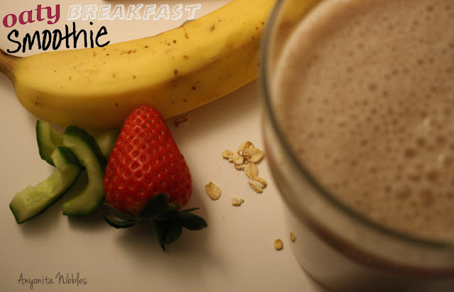healthy oaty breakfast smoothie--7 ingredients