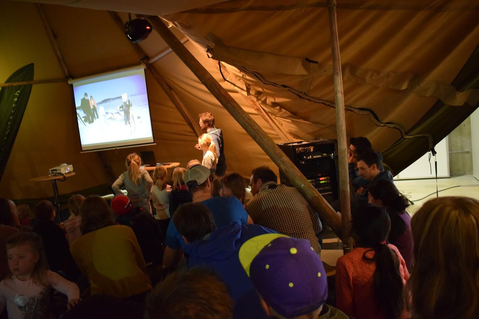f029cf5f I år som i fjor tok vi turen til Camp villmark. Denn gangen bestemt vi oss  for å bruke tre dager på messen som tilsammen varer i 4 dager.