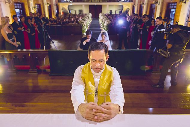 Reverendo da zona sul de SP abençoa união entre casais do mesmo sexo