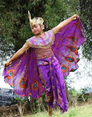 Daftar 3 Wisata Alam Populer Di Jawa Barat Yang Wajib Anda Kunjungi