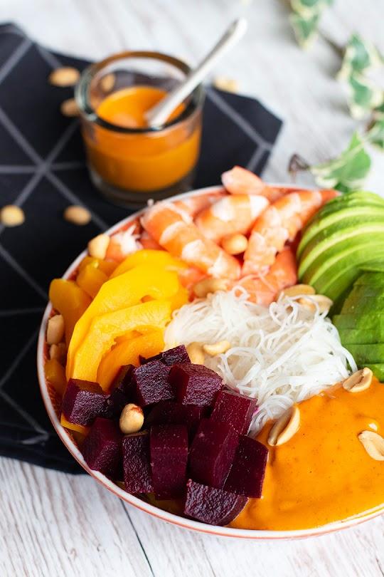 recette Salade crevettes sauce coco curry rouge et cacahuète