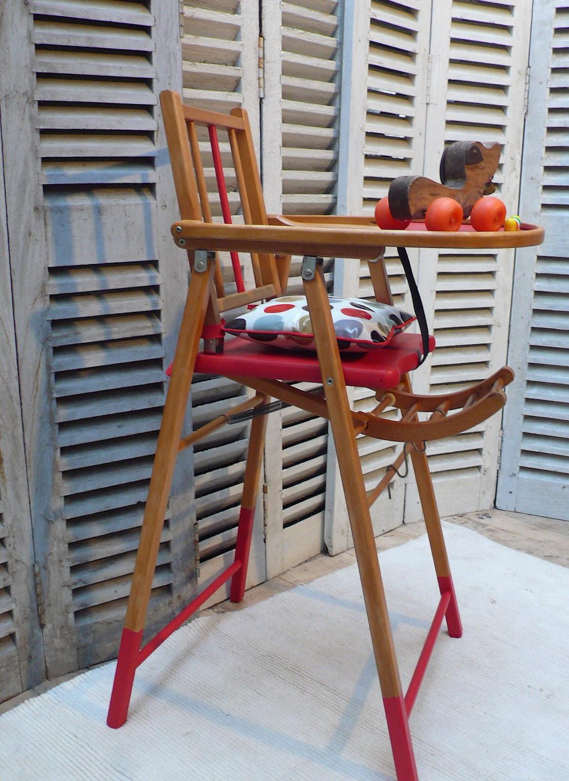 Les mh mes en goguette une chaise haute pour b b dans - Quand mettre bebe dans une chaise haute ...