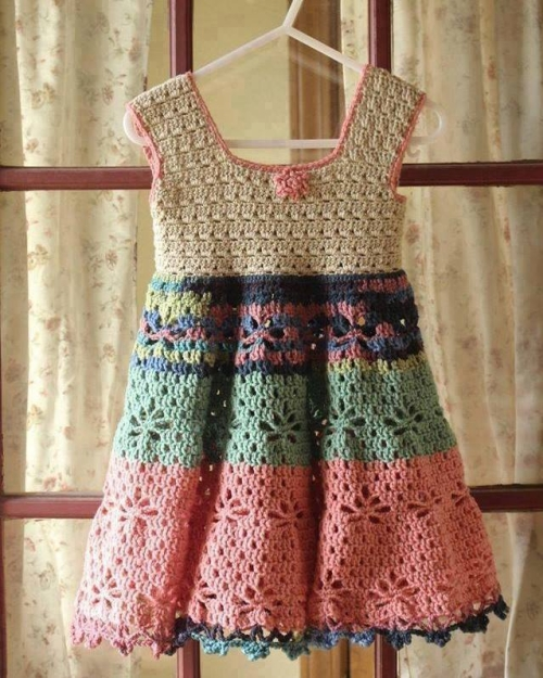 Little Girl Vintage Dress - Free Crochet Pattern