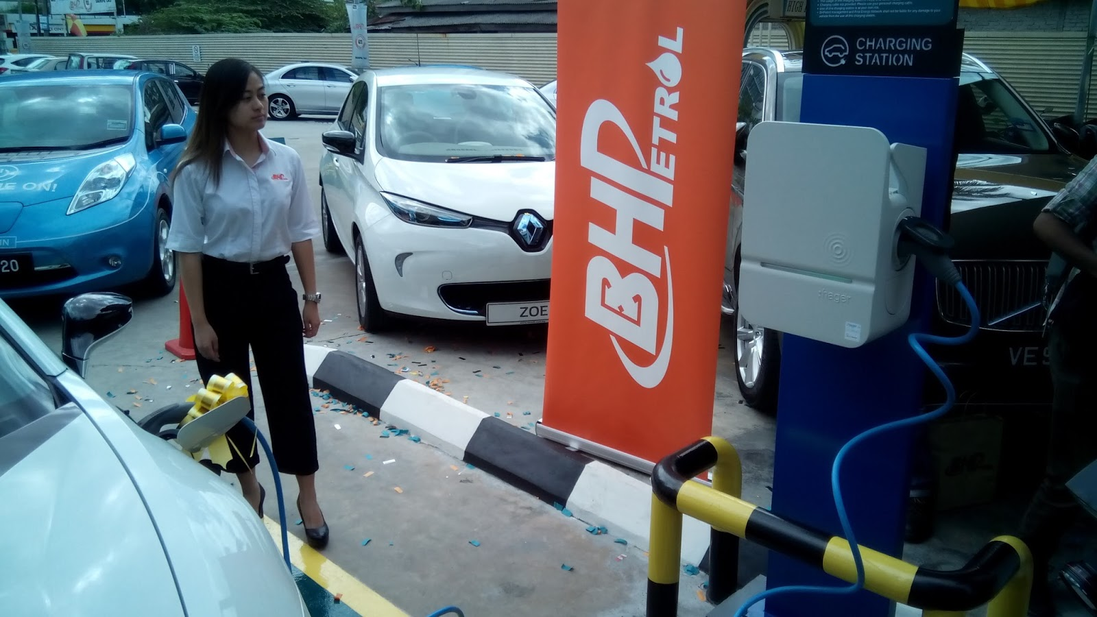 Bhpetrol Boustead Petroleum Marketing Sdn Bhd Recently Marked Its 11th Year In The Business By Installing Re Charging Stations For Electric And
