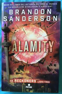 Portada del libro Calamity, de Brandon Sanderson