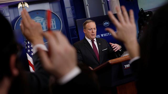 La Casa Blanca prohíbe a varios medios principales asistir a su rueda de prensa de este viernes