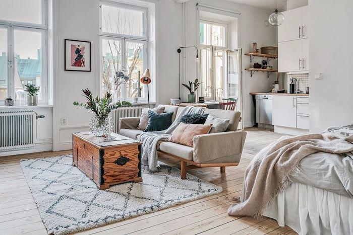 Como dar un aspecto juvenil y romántico a un apartamento antiguo , salón.