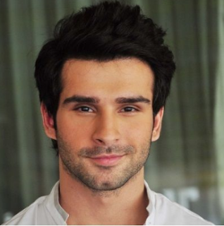 Girish Kumar Family Wife Son Daughter Father Mother Marriage Photos Biography Profile