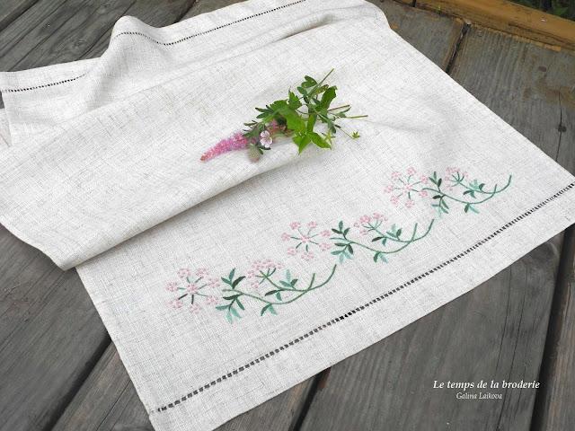 японский дизайн, оформление вышивки, вышивка различными стежками