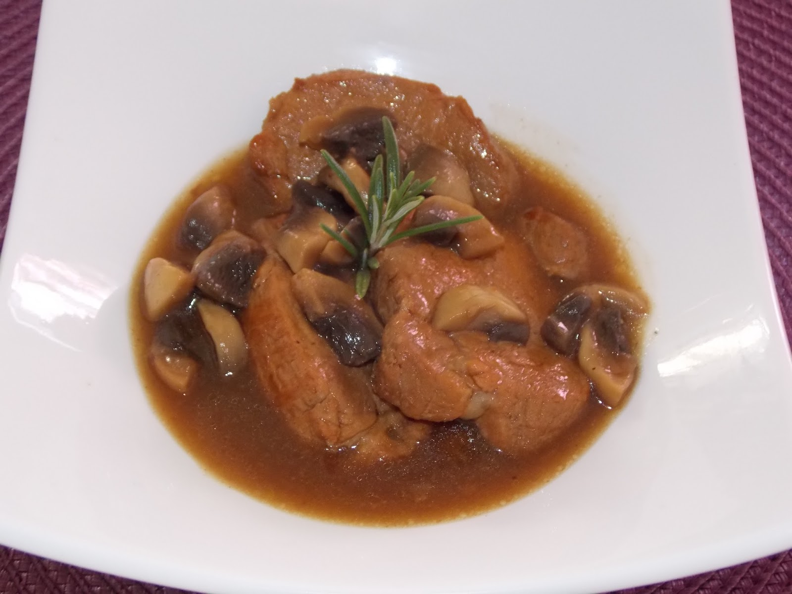 Medaillons de filet mignon de porc au cidre - Cuisiner un filet mignon de porc en cocotte ...
