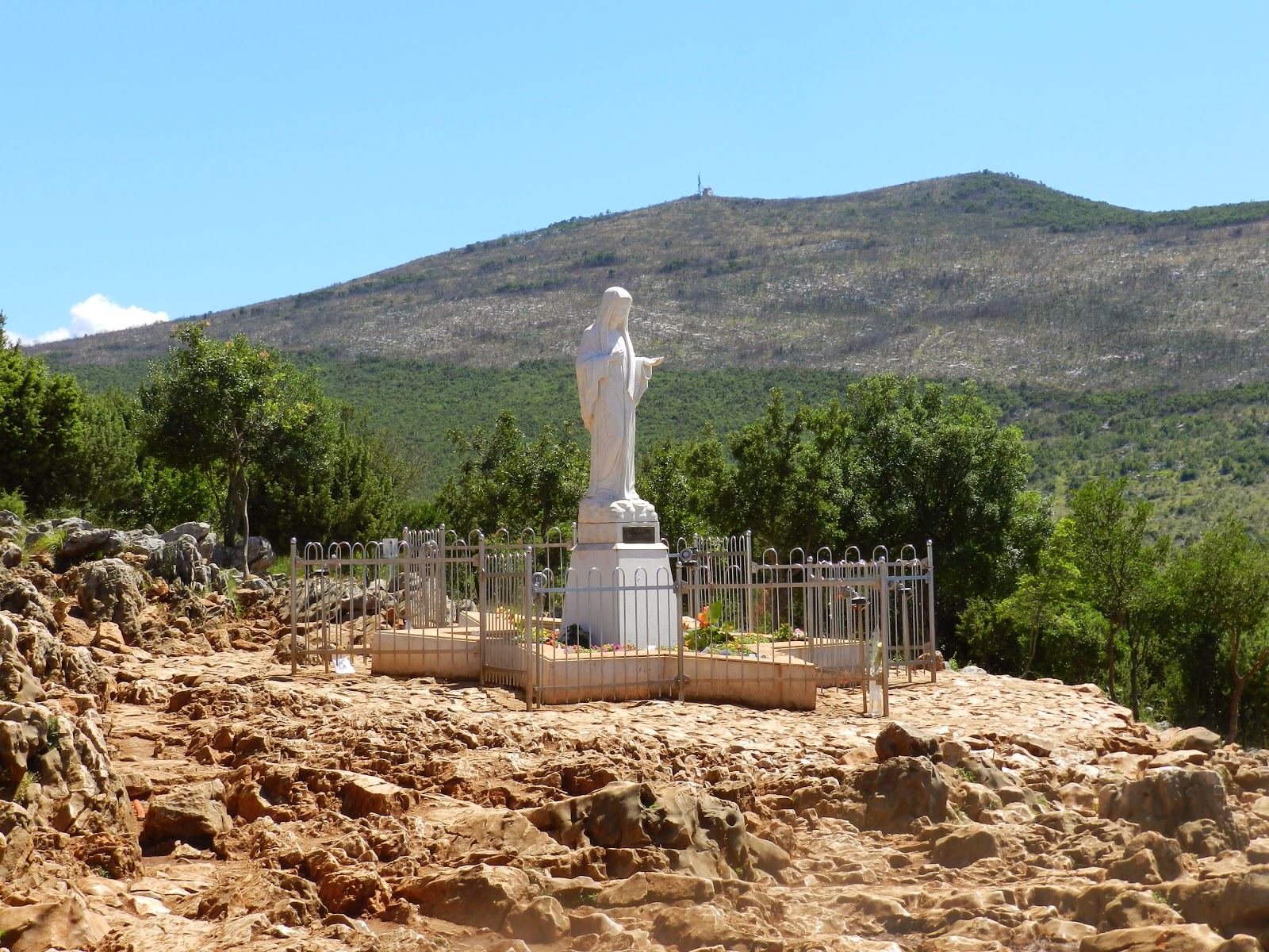 The statue of Our Lady at Apparition HIll