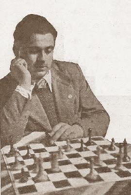 Estanislau Puig Ambrós durante el Concurso de Problemas Penya Obertura en 1937