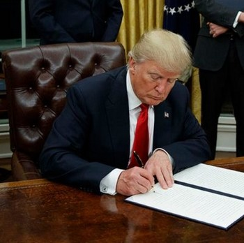 Trump Signs Executive Order Fast Food Wages Increase