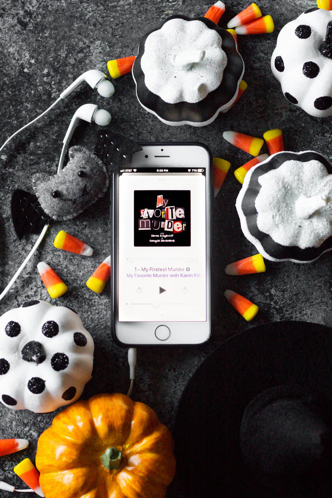 10 podcasts to scare you this halloween - midwest mermaid