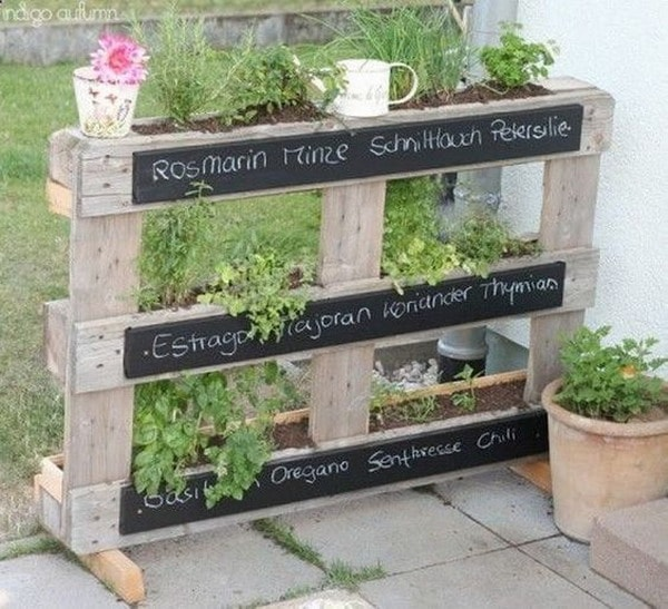 Vertical Gardens Made of Wooden Pallets 8